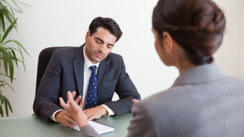 Comment se déroule l'entretien préalable au licenciement ?