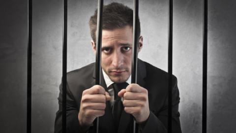 Mon salarié est en prison, que faire ?